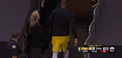 LeBron James Gets Ripped To Shreds For Leaving Blowout Lakers Loss With Over 5 Minutes Left In The Game