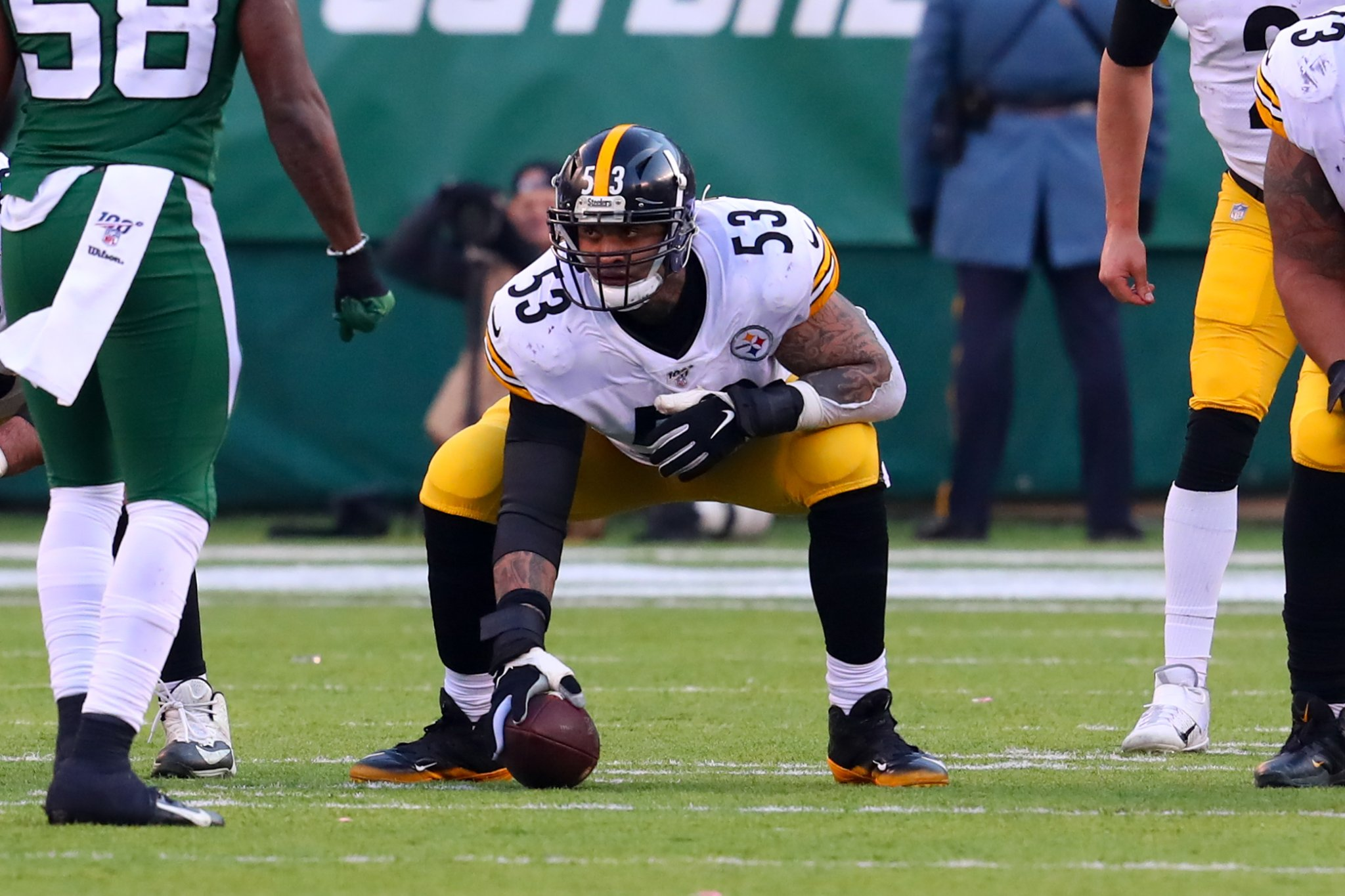 Steelers' Maurkice Pouncey Honors Slain Police Officer Eric Kelly On His Helmet During Game Against Broncos - BroBible