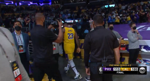 NBA Fans Blast LeBron James For Not Shaking Hands With Phoenix Suns Players After Lakers Were Eliminated From Playoffs
