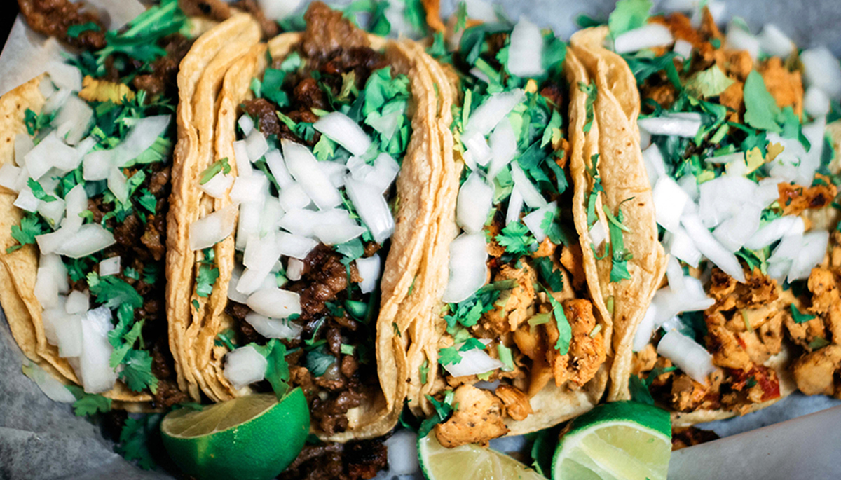 This awesome hack showing why tacos have two tortillas is driving people loco - cover