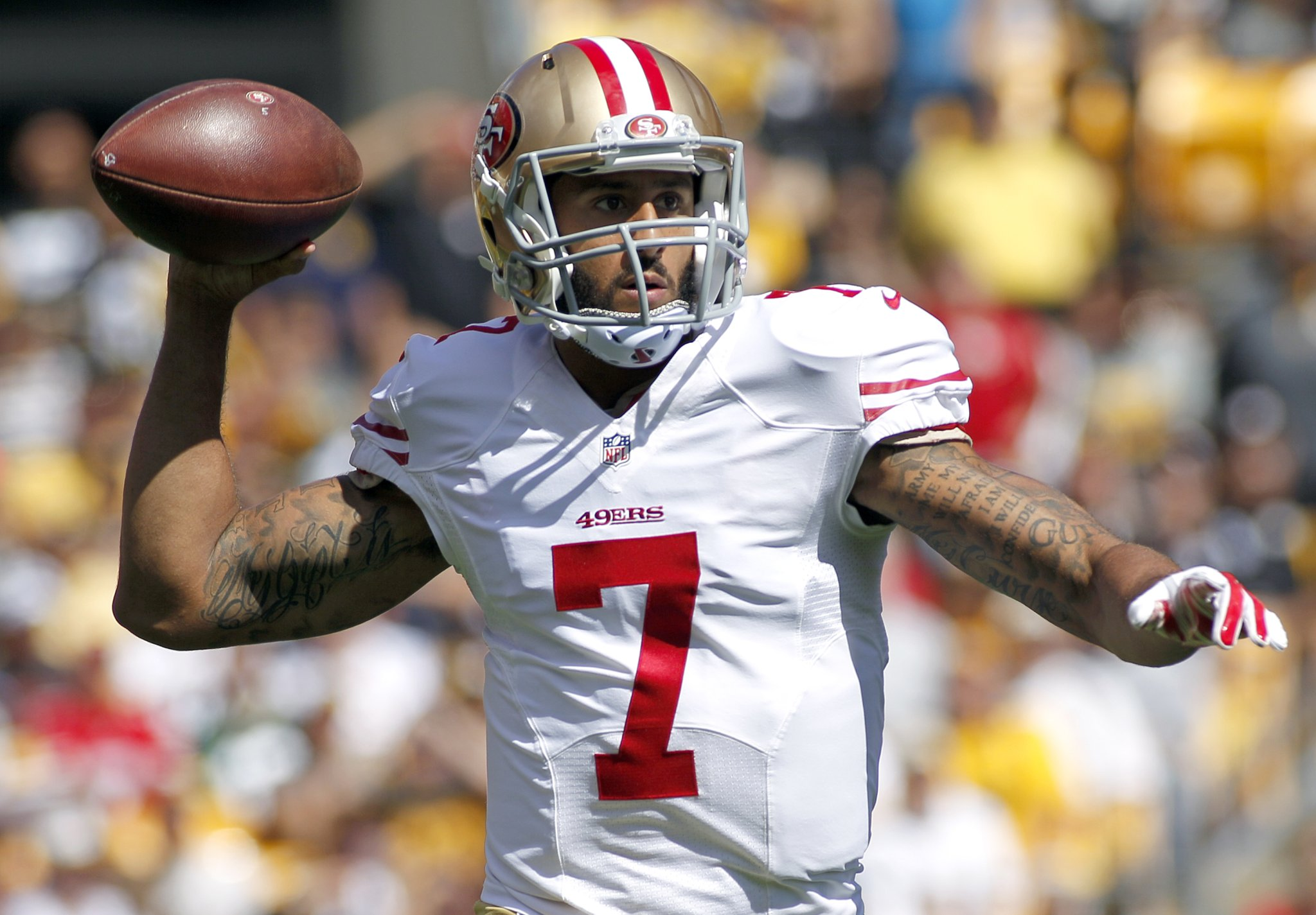Colin Kaepernick Has Reportedly Received 'Zero' Interest From Teams, Only Received 'Fake' Interest After The Death Of George Floyd - BroBible