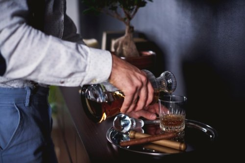 10 Classic Cocktails Every Man Should Know How To Make