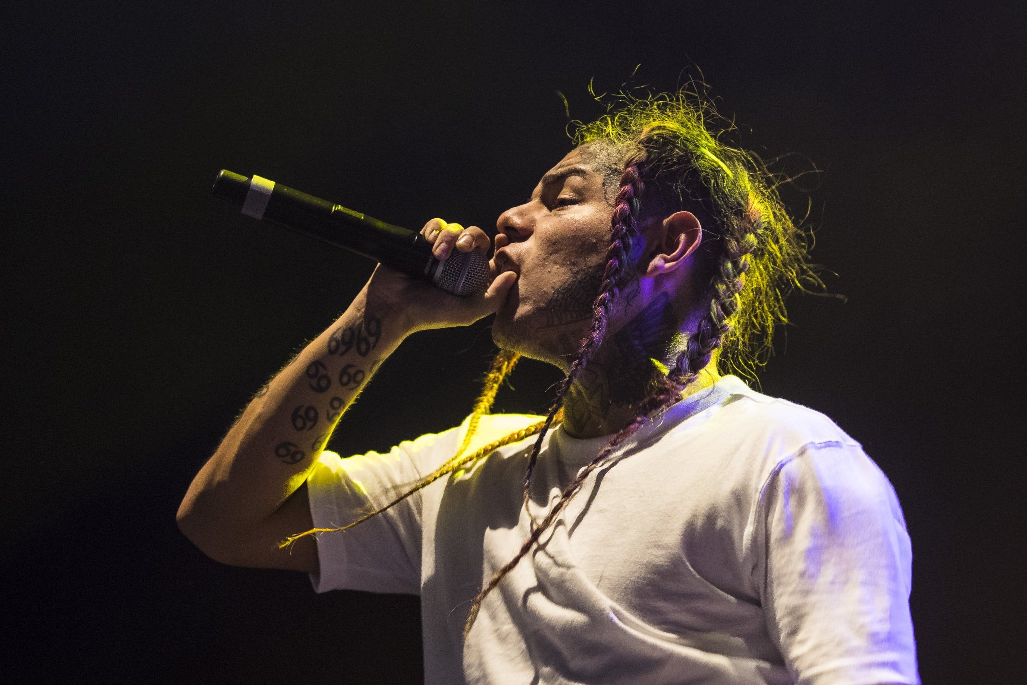 Tekashi 6ix9ine Just Gave A Hilarious, Terrifying Interview To The New York Times - BroBible