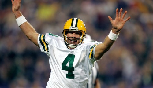 Brett Favre predicts how NFL locker rooms will react to players who don't kneel
