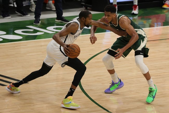 Giannis Antetokounmpo Admits Kevin Durant Is The 'Best Player In The World', Wants Chance To Guard Durant In Game 6