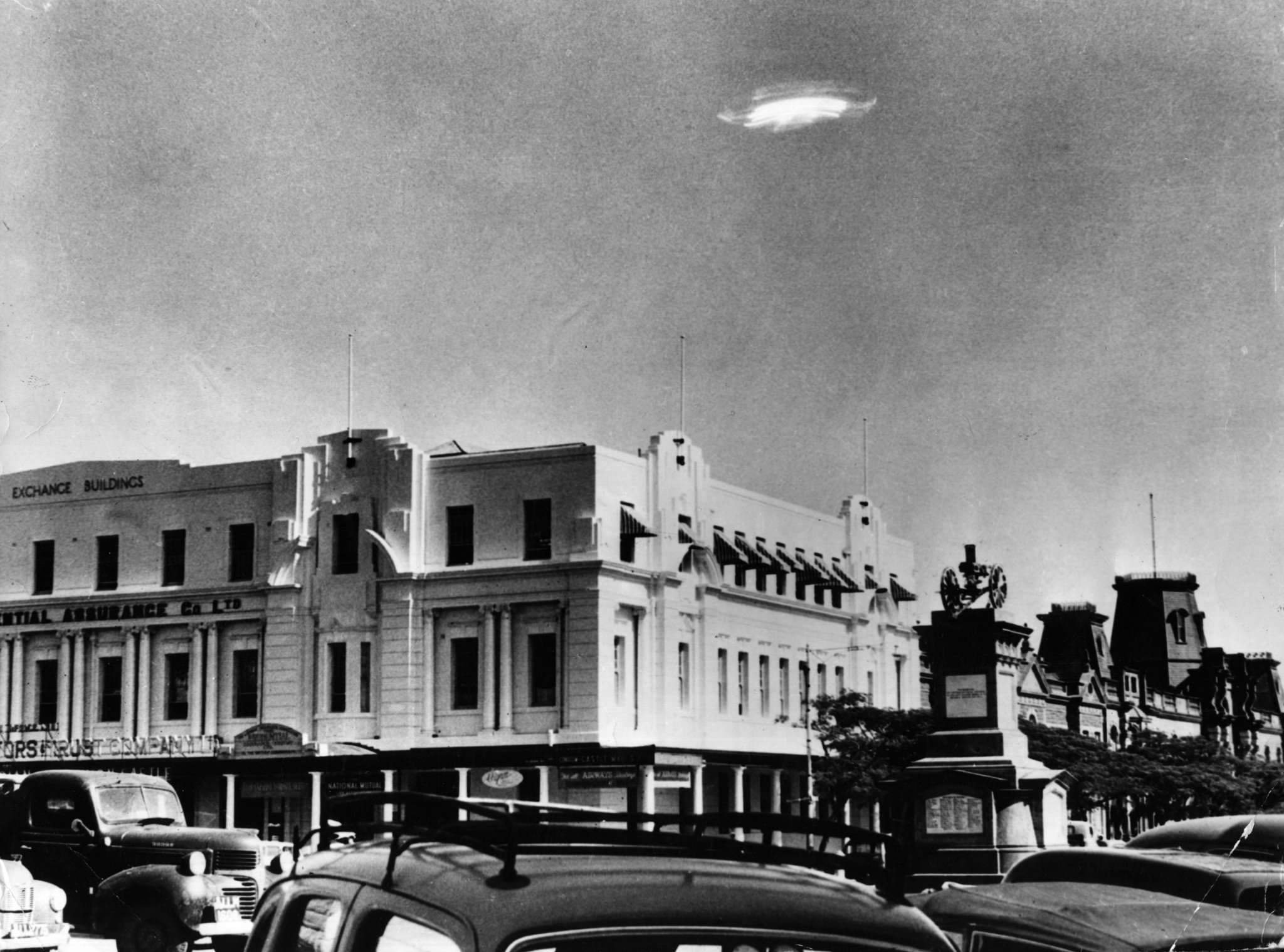 The Internet Mocks U.S. Government's Long-Awaited UFO Report That Says Next To Nothing - BroBible