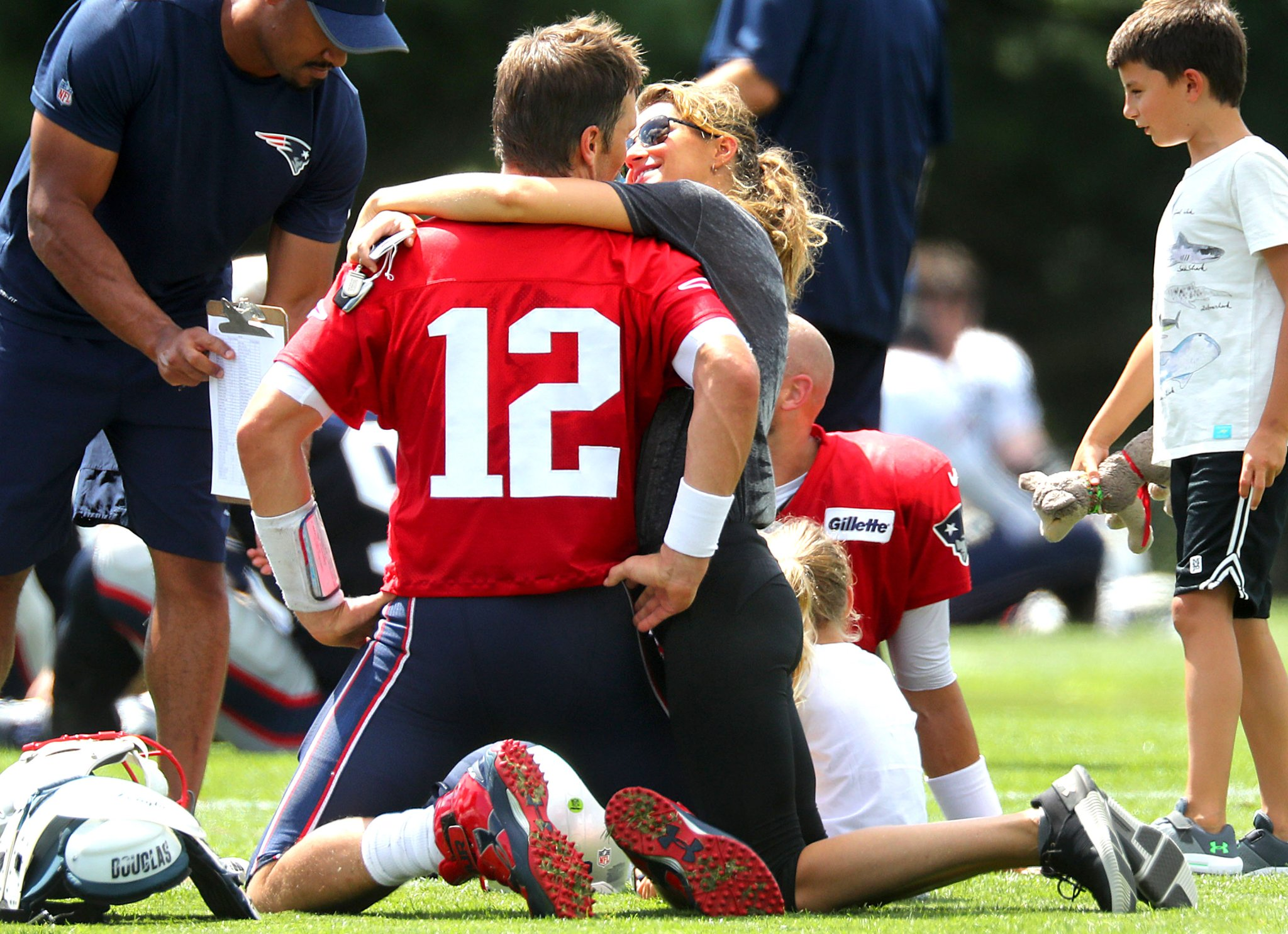 Brady's Wife Gisele Reportedly Went Off On Robert Kraft About How Belichick Was Mistreating Tom - BroBible