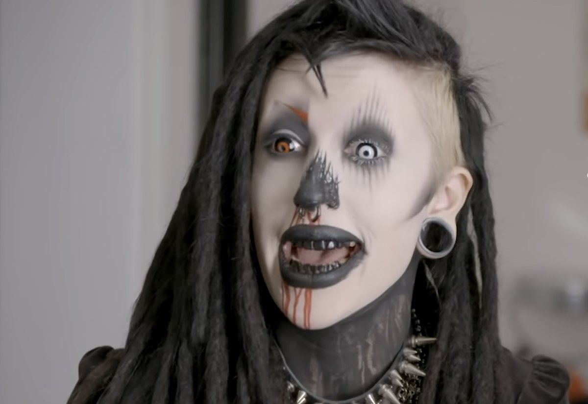 Vampire Goth Transforms Herself By Covering Up All Her Tattoos To Become 'Instagram Model' - BroBible