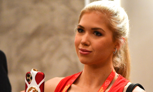 Chiefs Heiress Gracie Hunt Wins Miss Kansas, Moves One Step Closer To Miss USA Title