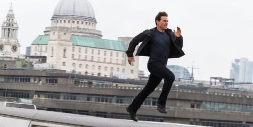 'Mission: Impossible' Filmmakers Have To Tell Tom Cruise To Stop Smiling During Insane Stunt Scenes