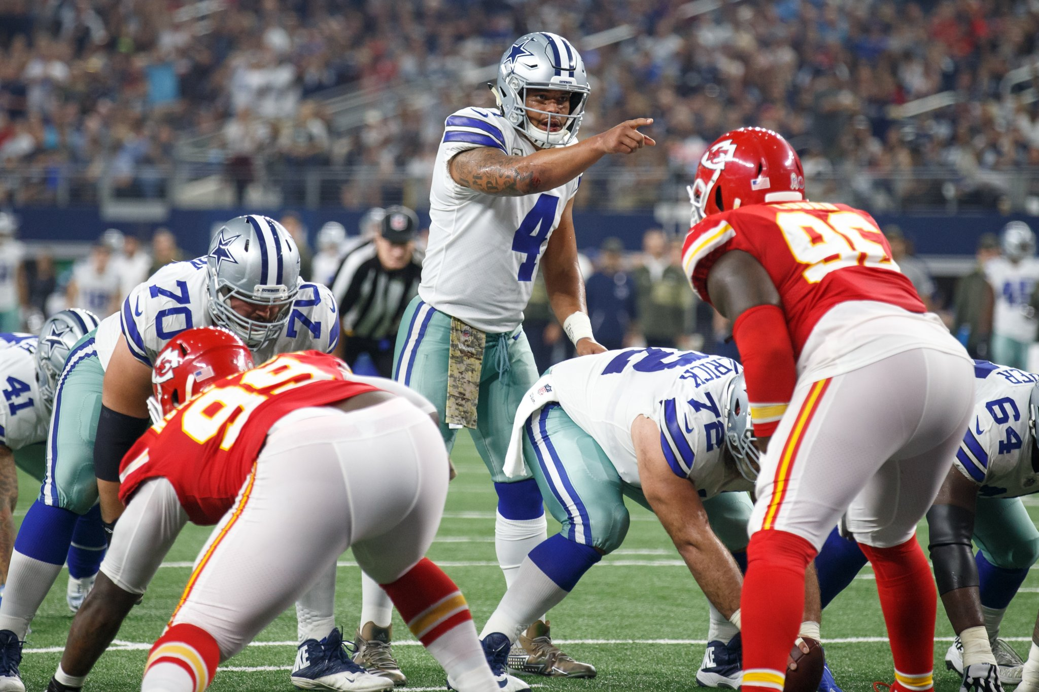 ESPN Computer Runs 20,000 Simulations For The NFL Season And Predicts The Dallas Cowboys Will Play The KC Chiefs In The Super Bowl - BroBible