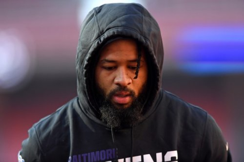 Ravens players want team to cut Earl Thomas after teammate altercation