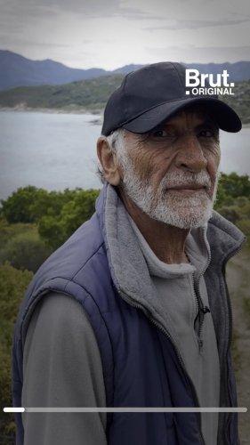 """À 77 ans, Jo vit isolé en Corse, loin du """"monde des fous""""   Brut."""