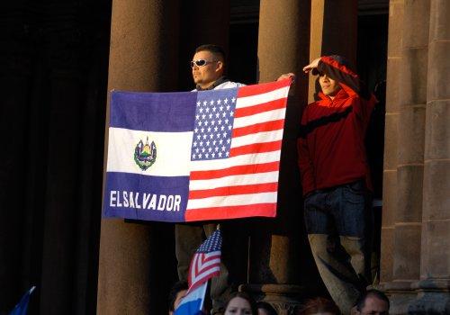 El Salvador: Kreditwürdigkeit sinkt nach Bitcoin-Gesetz   BTC-ECHO