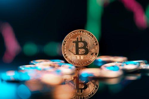 Bitcoin korrigiert nach Allzeithoch - Altcoin-Kurse zeigen sich aktuell bullish