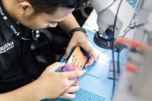 Service Handphone Apple & Android Jakarta, Bandung, Bekasi, Surabaya