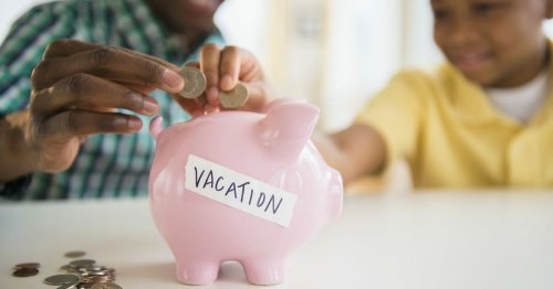 How to save money when you're traveling | Budget Travel