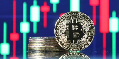 Bitcoin successfully tests key support level near $40,000 but crypto positioning remains risk-off