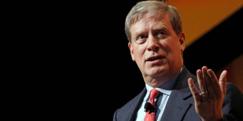 Stanley Druckenmiller's family office dumped more than $100 million of Netflix stock and boosted cybersecurity investment by more than 400% in the 4th quarter