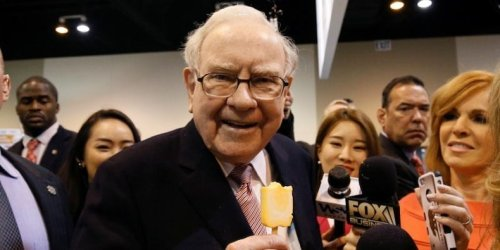Warren Buffett warned newbie investors, touted tech stocks, and dashed acquisition hopes at Berkshire Hathaway's annual meeting. Here are the 7 key takeaways.