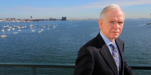 Legendary investor Jeremy Grantham says both stocks and crypto are in bubbles worse than in 2000 - and warns a 'bust' could be looming in mere months amid virus and inflation pressures
