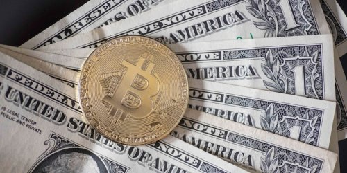 US banking regulators are developing clearer guidelines for banks that deal with cryptocurrencies, report says
