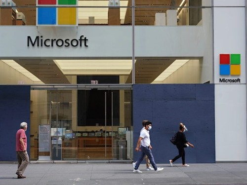 Microsoft delivers on cloud performance in 'blowout' quarter, Wedbush says