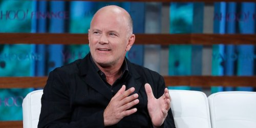 Crypto billionaire Mike Novogratz says bitcoin holding at $40,000 shows the market is in good shape - and recommends buying the dip