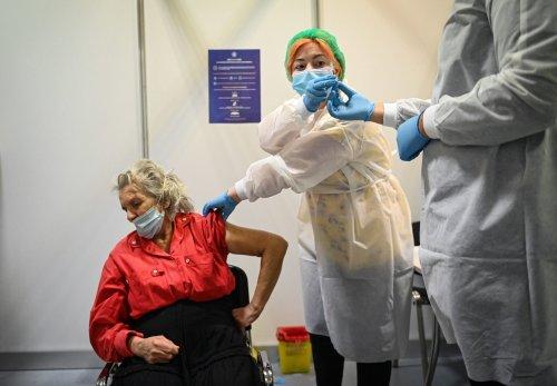 Ich flog nach Rumänien, um mich impfen zu lassen — und ich war nicht die Einzige