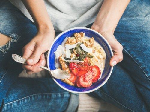 Ernährungsberaterin erklärt: Ihr solltet zu dieser Uhrzeit frühstücken, wenn ihr abnehmen wollt