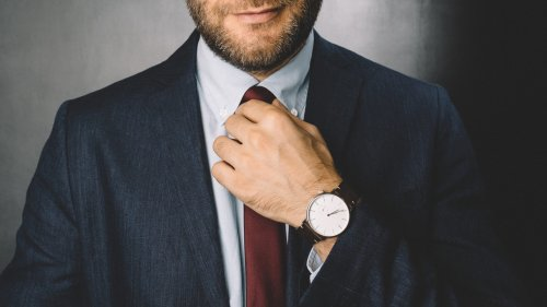 52 Jahre alt, männlich, mit dem BMW ins Büro: Wie der typische GmbH-Geschäftsführer aussieht — und was er verdient
