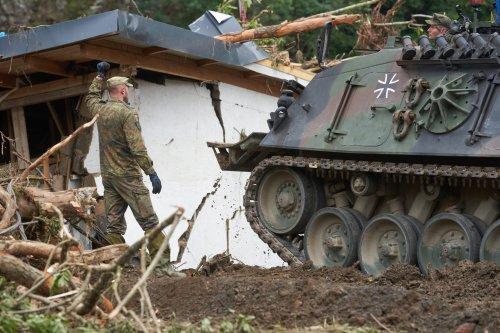"""Ein Bundeswehr-Arzt, der in Afghanistan und Mali im Einsatz war, sagt über die Flut in Ahrweiler: """"Das war schlimmer als im Krieg"""""""