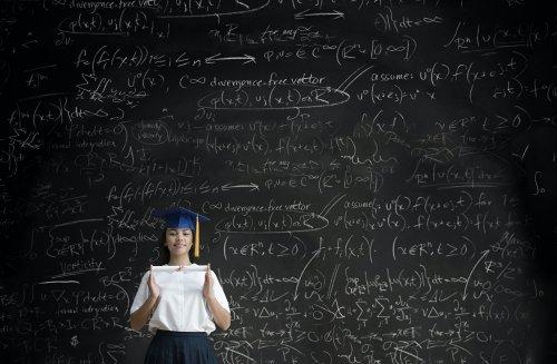 Lohnender Doktortitel: Wann eine Promotion dir Tausende Euro pro Jahr mehr bringen kann