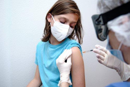Großbritanniens Regierung plant, schon im August Kinder impfen zu lassen