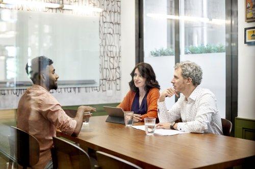 Headhunter erklärt, was ihr antworten solltet, wenn Personaler euch nach eurem aktuellen Gehalt fragen