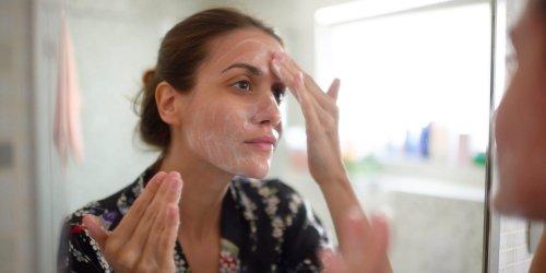 Peelings: Auf welche Inhaltsstoffe ihr achten solltet, wenn ihr bessere Haut bekommen wollt