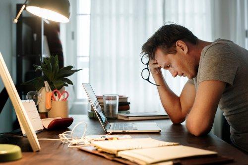 Wie Dauerstress im Job eure Persönlichkeit verändern kann — leider nicht zum Guten