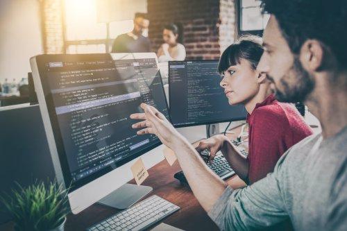 8 Programmierer erklären, wie es ist, von Unternehmen wie Amazon und Facebook angeworben zu werden — so aggressiv wie nie zuvor