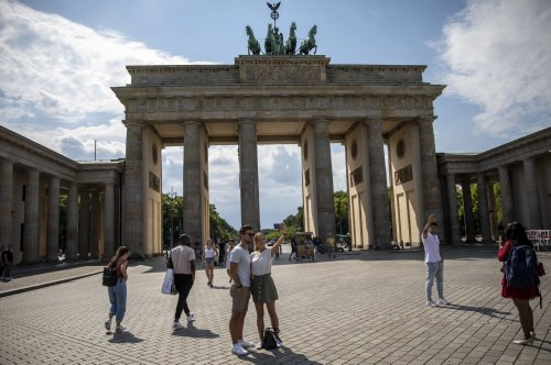 Maas hebt Reisewarnung für mehr als 80 Corona-Risikoländer auf – die Deutschen bleiben beim Corona-Urlaub skeptisch