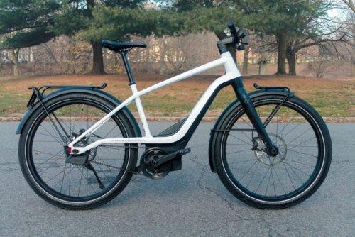 Ich habe ein 5.000-Dollar-E-Bike von Harley Davidson mit einem 1.100-Dollar-E-Bike verglichen – und weiß jetzt, warum es sich lohnt, mehr Geld auszugeben