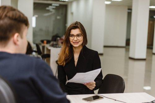 McKinsey-Recruiter verraten, welche Fähigkeiten ihr unter Beweis stellen müsst, um einen Job mit sechsstelligem Gehalt zu bekommen