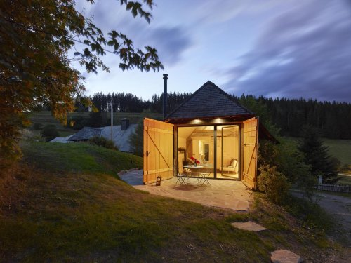 Dieses Tiny House im Schwarzwald war früher ein Traktor-Schuppen — jetzt hat es einen Preis gewonnen