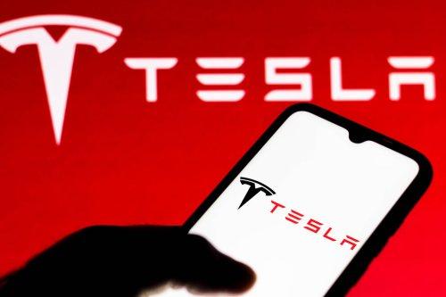 Tesla macht erstmals über eine Milliarde Dollar Quartalsgewinn