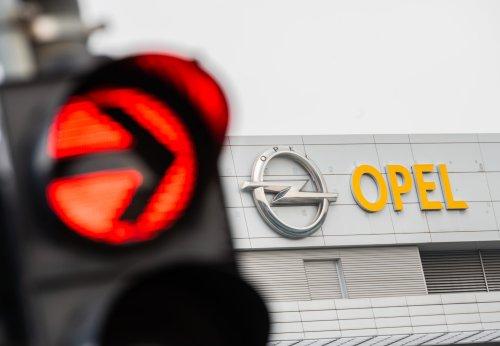 Während die Fabrik-Arbeiter im Urlaub sind: Opel lässt Maschinen bei Ebay verkaufen