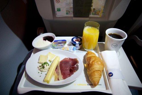 Bei Lufthansa wird es bald auch eine neue Bordgastronomie in der Business Class geben