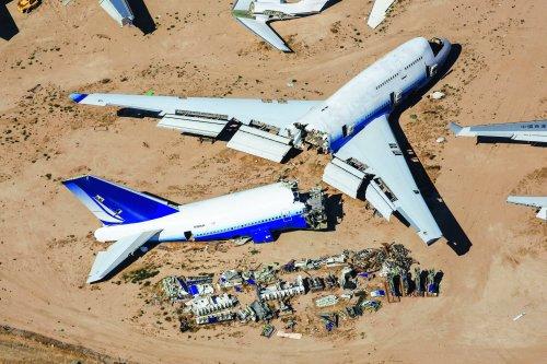 Corona füllt die Flugzeug-Friedhöfe: Fotos zeigen, wo Airbus A380 und Boeing 747 jetzt abgewrackt werden