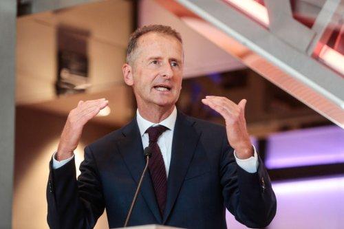 """Auf dem Manager-Treffen in Tirol verrät VW-Chef Herbert Diess, warum er zu seinen Führungskräften so """"pushy"""" und """"hart"""" ist"""