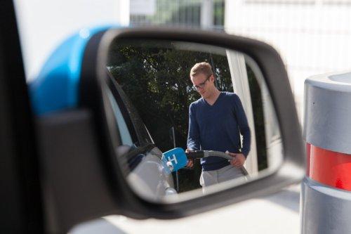 VW, Mercedes & Co. verabschieden sich von ihren Wasserstoff-Träumen – das spricht gegen den H2-Antrieb