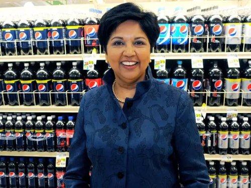 """Warum die Ex-CEO von Pepsi es """"peinlich"""" findet, um Gehaltserhöhungen zu bitten"""