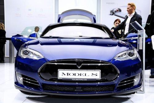 Deutsche Autolobby will sich neu erfinden und plant Kooperation mit Tech-Konzernen – Geheimgespräche von VDA mit Tesla laufen